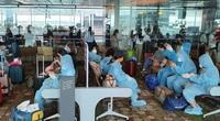 Mở lại chuyến bay quốc tế: Dân mòn mỏi chờ bộ ngành... bàn quy trình