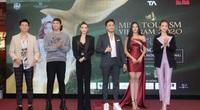 Dàn thí sinh Miss Tourism trình diễn thời trang giữa vườn treo
