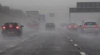 Lái xe dưới trời mưa bão cần chú ý những điều này
