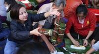 Phụ nữ không nhận hoa 20/10, người người quyên góp ủng hộ miền Trung