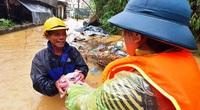 """Phó Thủ tướng Trịnh Đình Dũng: """"Nhiều tổ chức cứu trợ chủ yếu đến chỗ dễ"""""""