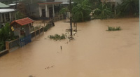 """Ngân hàng Nhà nước chỉ đạo """"nóng"""", hỗ trợ người dân khắc phục hậu quả do mưa lũ."""