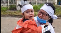 Tiếng khóc nghẹn của em bé gọi bố là chiến sĩ hy sinh trong Đoàn 337