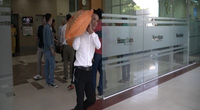 Báo NTNN/Dân Việt chuyển 10 tấn gạo ủng hộ người dân miền Trung: Thương người như thể thương thân