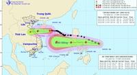 Bão số 8 vẫn đang tiến thẳng Hà Tĩnh - Quảng Trị, lại xuất hiện áp thấp nhiệt đới gần biển Đông