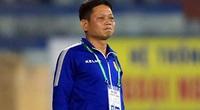 """HLV Nam Định lo có """"thế lực ngầm"""" khiến đội nhà khó trụ hạng"""