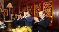 Đoàn đại biểu Đại hội Đảng bộ tỉnh Phú Thọ dâng hương tưởng niệm các Vua Hùng