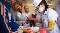 Bệnh viện Lệ Thủy chật cứng người khám sau lũ
