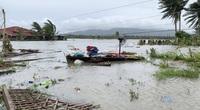 Làng mạc chìm trong biển nước, 3 người chết khi bão Molave quét qua Philippines
