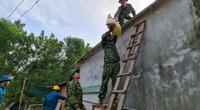 Quảng Nam: Người dân hối hả chằng chống nhà cửa để chạy bão số 9