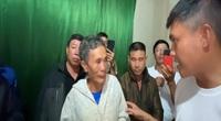 """Clip nóng hôm nay: Thuỷ Tiên hỗ trợ bác nông dân 200 triệu, trợ lý trọng tài bị phạt """"thẻ đỏ"""" vì đi vệ sinh"""