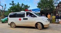 Sạt lở vùi lấp 34 người ở Quảng Nam: Tìm đường chuyển 5 người bị thương đi cấp cứu