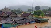 Tin mới nhất về lũ ở Nghệ An: Mưa rất lớn, lũ hạ lưu sông Cả lên nhanh, gây ngập sâu diện rộng