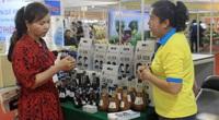 Gạo ST, nước mắm, trái cây… thu hút người Sài Gòn tại hội chợ nông, lâm, thủy sản