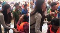Khoảnh khắc Thủy Tiên vội vàng dúi thêm tiền vào tay người phụ nữ nghèo khiến dân tình xúc động