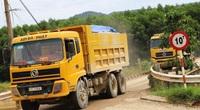 """Bình Định: Bí thư Huyện ủy lên tiếng vụ đoàn xe """"siêu tải"""" cày xéo, 16km đường """"nát như tương"""""""