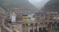 Thủy điện nhỏ tiềm ẩn hiểm họa lớn: Dự án tràn lan, xả nước lấy tiền!