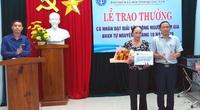 Trao giải thưởng cho nhân viên đại lý giỏi vận động  BHXH tự nguyện