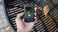 Ngắm chiếc điện thoại Motorola V3 huyền thoại một thời
