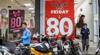 Phố thời trang Hà Nội rợp biển giảm giá 80% dù chưa đến Black Friday