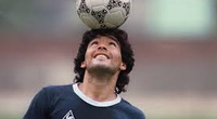 Pele, Ronaldo, Messi và thế giới bóng đá khóc thương Maradona