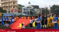 Khai mạc VCK Press Cup 2020: Trao quà 10 gia đình chính sách Sầm Sơn và con gái Liệt sĩ Rào Trăng