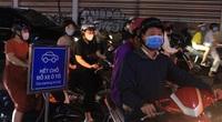 ẢNH: Đường TP.HCM tắc nghẽn vì người dân đổ xô đi mua sắm Black Friday