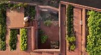Ngôi nhà tại Việt Nam có 7 bậc thang trồng rau trên mái được quốc tế vinh danh
