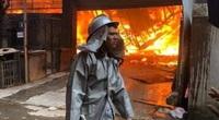 Hiện trường vụ cháy lớn, thiêu rụi hơn 10 xưởng gỗ tại ngoại thành Hà Nội