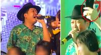"""Dân mạng """"dậy sóng"""" clip Trường Giang khóc nghẹn trên sân khấu vì nhớ nghệ sĩ Chí Tài, khán giả bất chấp chụp hình"""