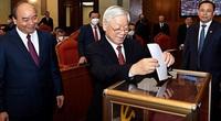 Trung ương bỏ phiếu biểu quyết giới thiệu nhân sự Bộ Chính trị, Ban Bí thư khóa XII tái cử