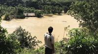 Nghi vấn do thủy điện xả lũ, dân mất hàng tỷ đồng trong thoáng chốc