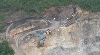 Quảng Ninh: Vào Hang Hùm khai thác đất đá trái phép