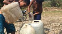 """Tây Nguyên: Nắng nóng kéo dài nhiều tháng, người dân """"chạy nước từng bữa"""""""