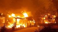 """""""Cháy ở Thiên đường: Một bi kịch Mỹ"""" và kỷ nguyên của siêu cháy rừng"""