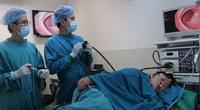 """Cắt khối u trực tràng """"khổng lồ"""" không cần phẫu thuật"""