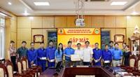 Supe Lâm Thao tặng quà cho công nhân, lao động có hoàn cảnh khó khăn