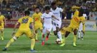 VFF phán quyết về tình huống tiền đạo HAGL bóp cổ cầu thủ Nam Định