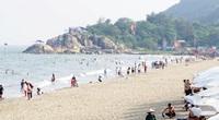 Từ ngày 30/4, du khách được tắm biển Sầm Sơn