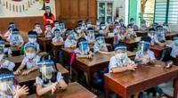 Bộ GD&ĐT yêu cầu không sử dụng tấm chắn giọt bắn, được sử dụng điều hòa trong lớp học