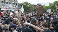Bạo loạn bùng nổ, thách thức chính quyền Donald Trump phục hồi kinh tế Mỹ