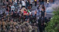 Người biểu tình Mỹ 'xé' lệnh giới nghiêm, bao vây Nhà Trắng