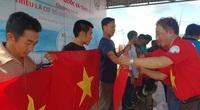 Trao 2.000 lá cờ Tổ quốc cho ngư dân Tiền Giang