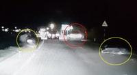 Video: Tài xế ô tô bức xúc húc văng 2 xe máy vì dàn hàng ngang không cho vượt