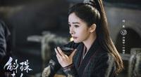 """""""Nữ hoàng cổ trang Trung Quốc"""" bị dân tình mắng chửi chỉ vì một đoạn clip"""