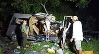 Bình Thuận: Xe khách và xe tải tông nhau trong đêm, 8 người chết