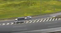 Nữ tài xế lùi xe tải trên cao tốc Hà Nội- Hải Phòng bị phạt 17 triệu đồng