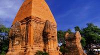 Vẻ đẹp cổ kính của tháp Bà Ponagar