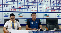 Hòa Viettel, HLV Hà Nội FC nói điều bất ngờ về Văn Hậu và Quang Hải