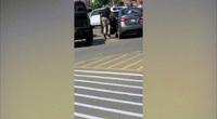 Video: Cảnh sát Mỹ nã 11 phát đạn vào nghi phạm da màu vừa rời siêu thị